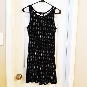 NWT Mudd Juniors Black Geometric Dress